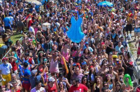 Tumultos, bebedeira e pequenos delitos marcam 1º dia do Carnaval no DF