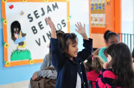 Volta às aulas anima pais e alunos da rede pública de ensino