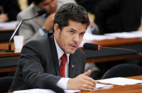 """POLÍTICA """"Eu vou implodir o presidente"""", diz líder do PSL na Câmara"""