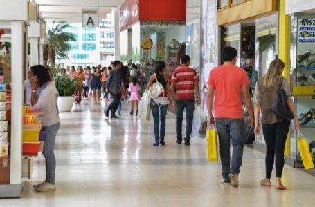 Comércio de rua e shoppings de portas fechadas nesta segunda (4/3)