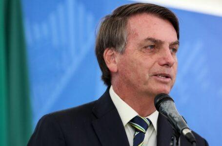 Auxílio emergencial é publicado e governo abre crédito de R$ 98 bi
