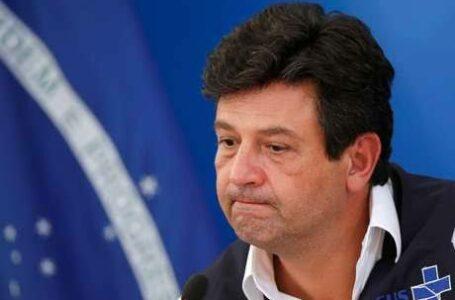 POLÍTICA PASSOU O BASTÃO | Mandetta anuncia em rede social que foi demitido do Ministério da Saúde