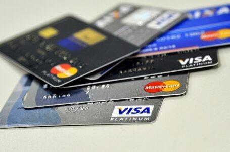 Covid-19: endividamento das famílias chega a 66,6% em abril, diz CNC