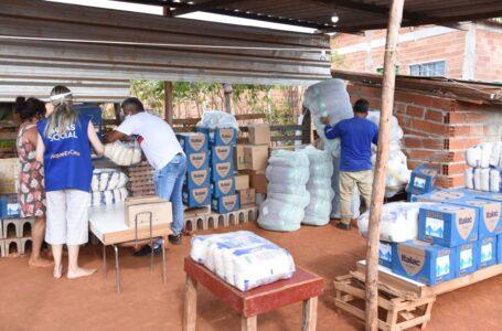 Voluntária que serve refeições a moradores da periferia de Goiânia recebe doações do Governo de Goiás e da OVG