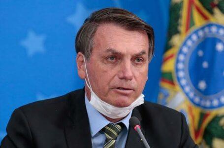 COM SUSPEITA DE COVID | Bolsonaro faz exame e cancela agenda da semana