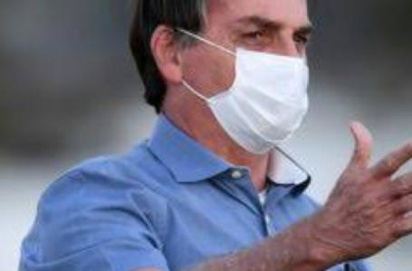 Bolsonaro volta a despachar no Planalto nesta segunda-feira