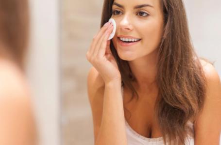 Soro Fisiológico no rosto: benefícios e como usar