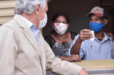 """Em Planaltina, Caiado entrega mais 383 moradias à população do Entorno do DF: """"É fundamental acolher e dar condições dignas de vida"""""""