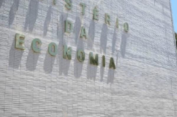 É maldade ou ignorância chamar imposto digital de nova CPMF, diz Guedes