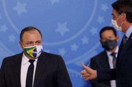 """""""Quando o chefe decide, o subordinado cumpre"""", diz Bolsonaro"""