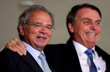 Guedes disse que só sairá do governo junto comigo, afirma Bolsonaro