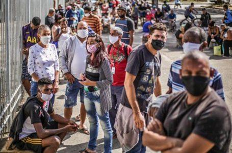 Bolsonaro afirma que não é possível perpetuar auxílio emergencial