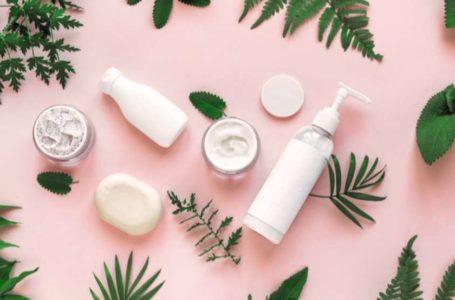 Produtos para skincare: 5 itens que não podem faltar no seu nécessaire