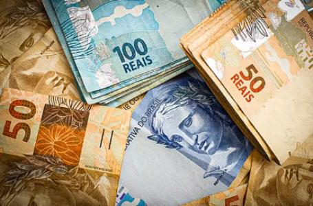 Reajuste do salário mínimo fica abaixo da inflação em 2021