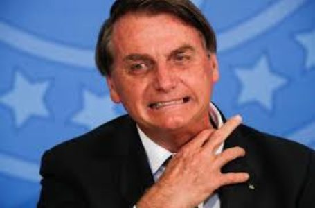 Bolsonaro diz que Brasil enfrentará situação pior que EUA se não houver voto impresso em 2022