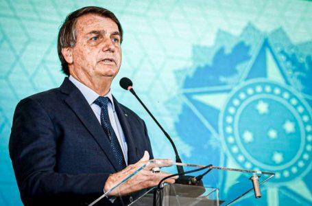Bolsonaro confirma compra de vacinas da Pfizer