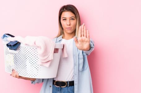 Extermine o mofo das roupas: saiba como ele surge e como combatê-lo