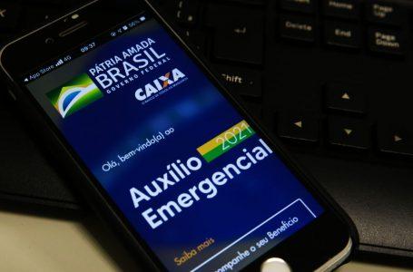 Guedes confirma que auxílio emergencial será prorrogado por 3 meses