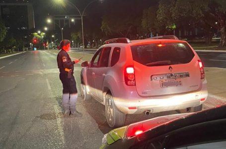 Detran recolhe 16 veículos que somam 337 multas
