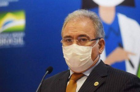 Ibaneis aciona Justiça para cobrar de Queiroga o envio de doses não repassadas ao GDF