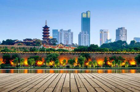 China isola cidade com barreiras militares por aumento de casos da covid