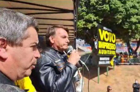 Bolsonaro parabeniza manifestantes: 'lutam por liberdade'