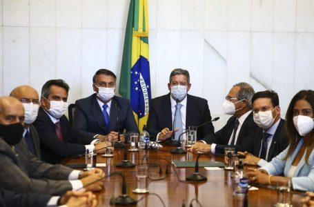 Presidente entrega medida provisória do novo Bolsa Família