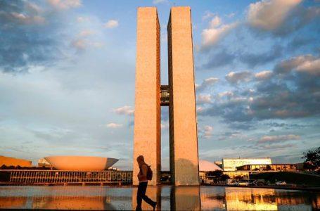 Grupos se unem em favor da democracia no Brasil