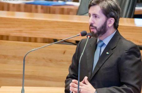 Pesquisa revela que Leandro Grass é o deputado pior avaliado entre os distritais