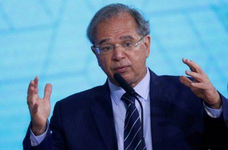 Guedes prevê inflação em alta e teme risco político