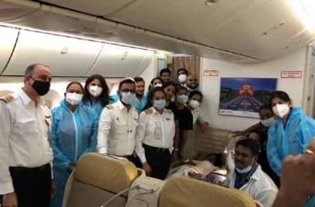 Passageiros realizam parto de mulher na cozinha do avião